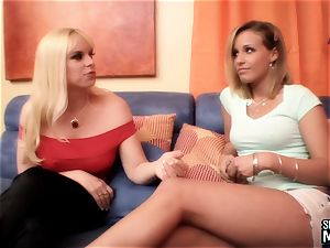 SEXYMOMMA - marvelous stepmom scissors vulva with mouth-watering teenager