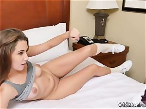 older mommy xxx penetrate first-ever time introducing Dukke