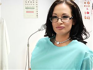 filthy doc Tory Lane likes it in the culo