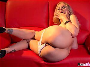 insane mummy Julia Ann toying with her yummy milfy snatch
