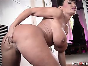 busty cougar Makes The Sexiest groans