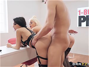 Lela and her women poking knob