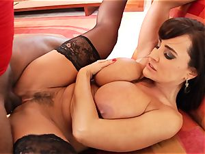 steamy Lisa Ann gets her cunt rammed with hard man rod