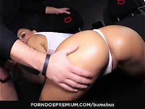 bums BUS handsome babe lubricated up and nailed rock-hard