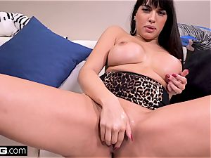 fuck Real mummies Latina Mercedes gives a filthy blowage