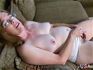 USA wives aged grandmother Carmen unshaved labia finger-tickling