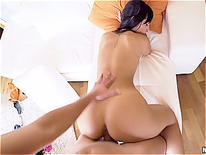 sumptuous Latina cutie knows her way around a meatpipe