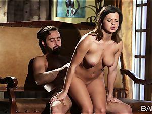 marvelous Keisha Grey penetrates a enormous pole