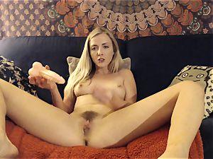 Karla Kush splashing anal climax from Home