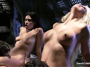Jazy Berlin and Cassandra Cruz - enthusiasm in Space