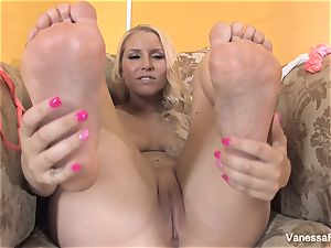 sole fetish joy with lovely blond Vanessa cell
