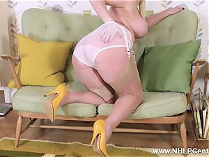 big-boobed towheaded peels off jacks in vintage panties nylon heels