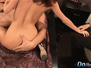 wifey drizzles with another man