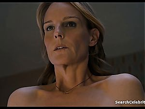 Heavenly Helen Hunt has a shaved gash for viewing