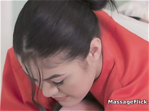 blow-job bathtub massage by big-boobed chinese masseur